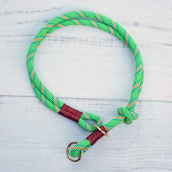 kletterseil-halsband-forest-gruen-orange-gestreift-leder