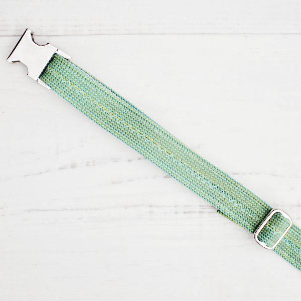 kletterseil-halsband-gruen-weiss-steckschnalle-gurtband