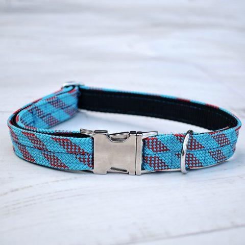 kletterseil-halsband-blau-rot-gestreift
