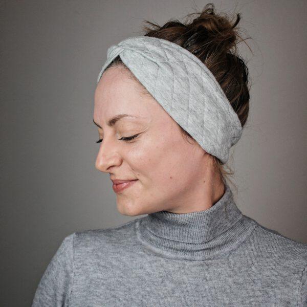 haarband-grau-steppstoff
