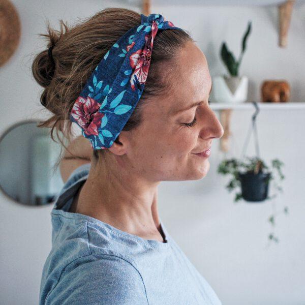haarband-blau-blumen-twist-rosen-floral