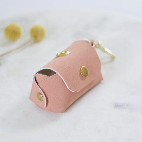 Kotbeutelspender leder rosa
